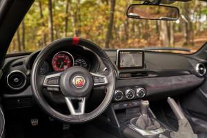 Abarth-124-Rally-Tribute-volante