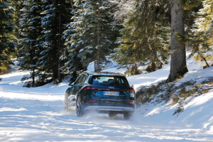 Audi e-tron 44