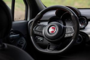 Fiat-500X-Sport-volante