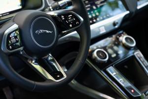 Jaguar-I-Pace-cockpit