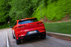 Jaguar-I-Pace-posteriore-red
