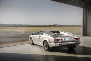 Lamborghini Countach 04