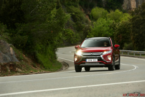 Eclipse Cross 08