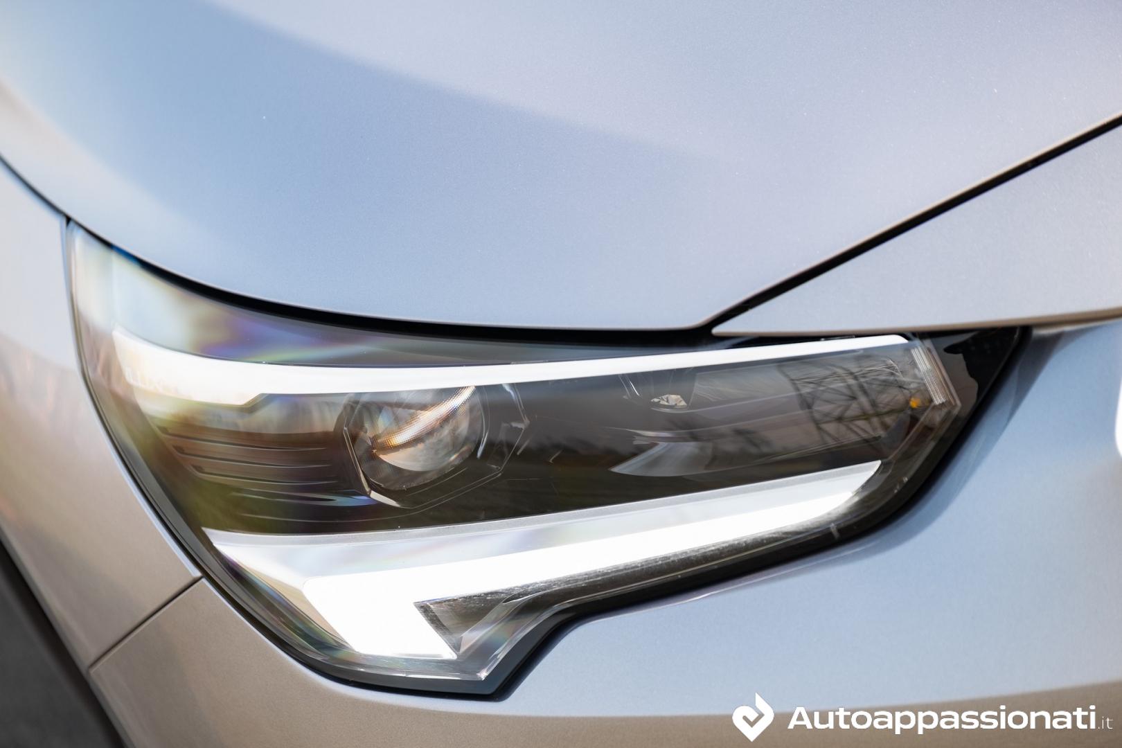 Opel Corsa Diesel fari intellilux led