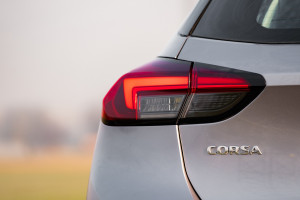 Opel Corsa 2020 luce post