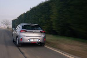 Opel Corsa 2020 posteriore dinamico 2