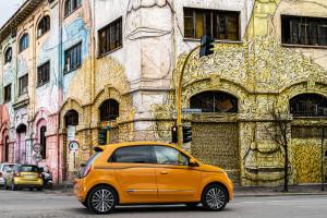 Renault-Twingo-2019-posteriore-gialla