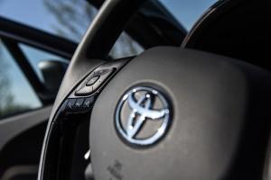 Toyota C-HR 09