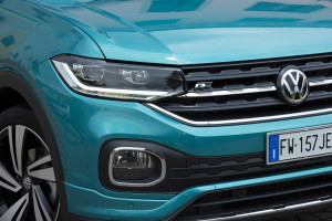 Volkswagen-T-Cross-faro-anteriore